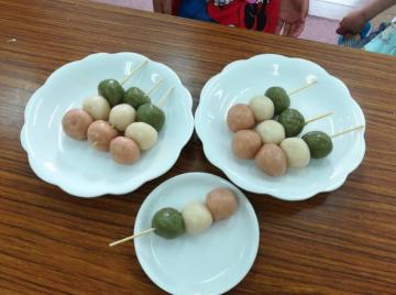 子育てクラブ~三色だんご作り~